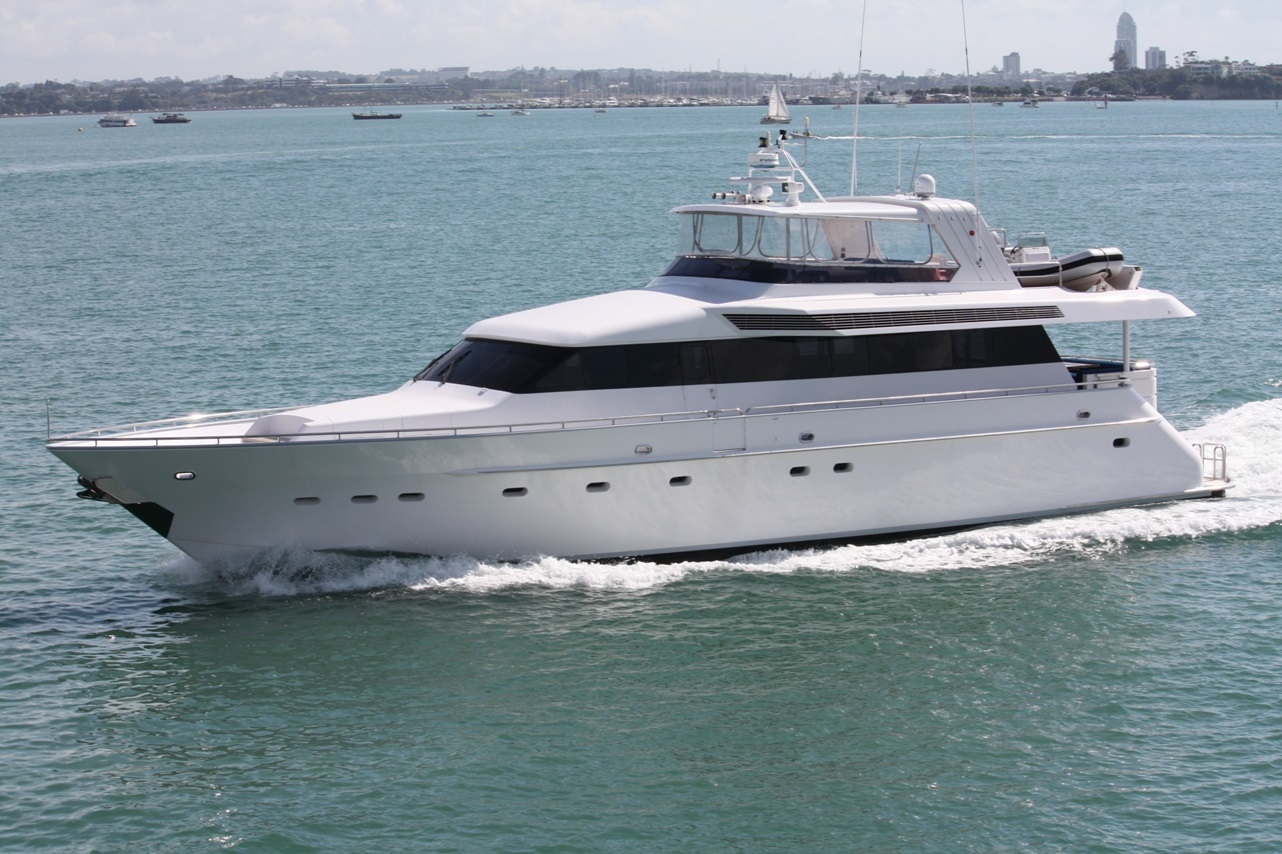 Templar charter boat auckland 84ft motor yacht decked for Fishing charters auckland